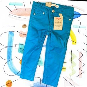 NWT LEVI's Turquoise Super Skinny Jeans 2t